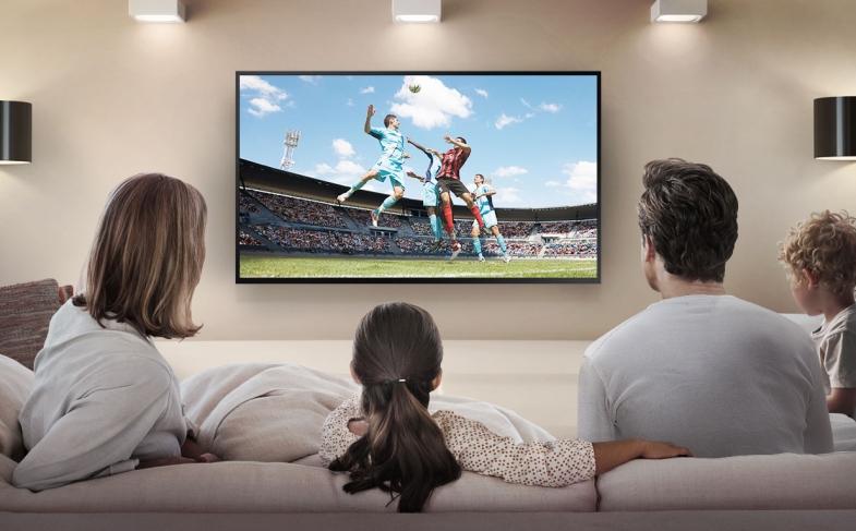 LA TELEVISIÓN SIGUE SIENDO GRUPAL  Y EL TELEVISOR SU PRIMERA PANTALLA