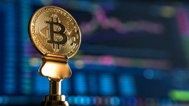Bitcoin, la criptodivisa que rompió con todos los pronósticos